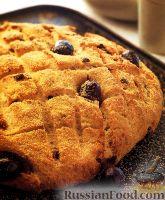 Фото к рецепту: Луковый хлеб с оливками и пармезаном