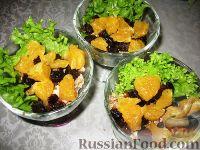 """Фото приготовления рецепта: Салат """"Черная курица"""" с мясом криля - шаг №3"""