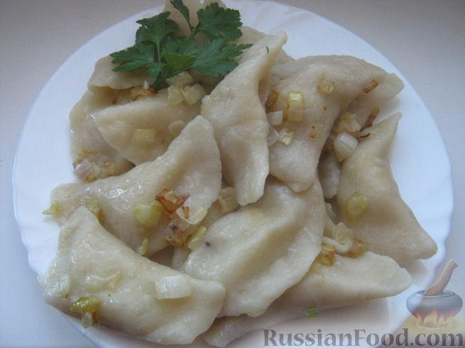 Фото приготовления рецепта: Индейка, тушенная с цветной капустой, в сметане - шаг №3