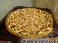 Фото к рецепту: Пицца с грибами и колбасой