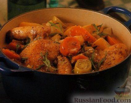 Рецепт Куриное мясо, тушенное с овощами в нежном соусе