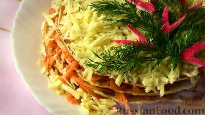 Рецепт Закусочный торт из курицы с морковью