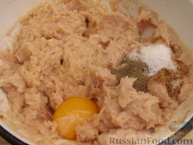 Фото приготовления рецепта: Форель, запечённая с картофелем - шаг №7