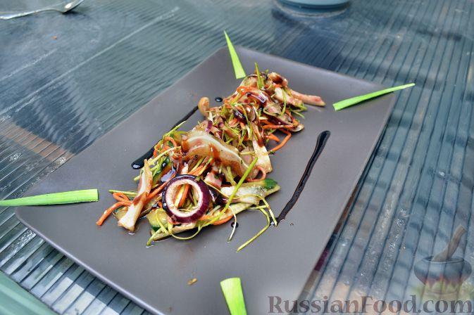 Рецепт Азиатский салат со свиными ушками