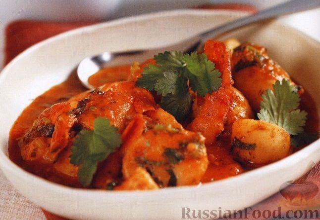 Рецепт Картофель, тушенный с креветками в остром томатном соусе
