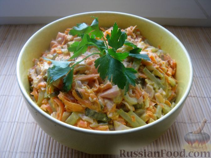 Рецепт Салат «Обжорка» с курицей