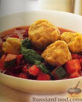 """Фото к рецепту: Суп с овощами и пряными """"кубби"""" с бараниной"""