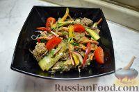 Фото к рецепту: Салат из говядины по-азиатски