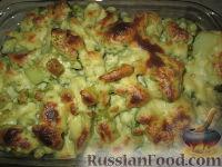 Фото к рецепту: Цветная капуста, запеченная с соусом Морней