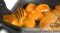 Фото приготовления рецепта: Рождественский кекс с мандаринами - шаг №5