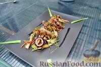 Фото к рецепту: Азиатский салат со свиными ушками