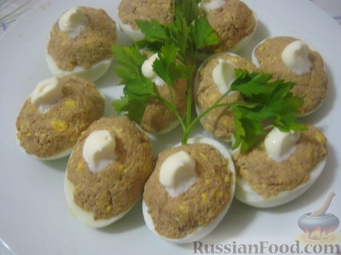 Рецепт Яйца, фаршированные куриной печенью