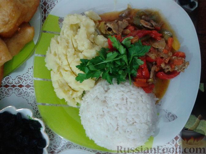 Фото приготовления рецепта: Салат «Весенний» с курицей и овощами - шаг №1