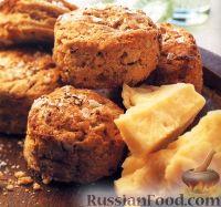 Фото к рецепту: Сконы с луком и орехами