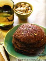 Фото к рецепту: Шоколадные блинчики с фисташками