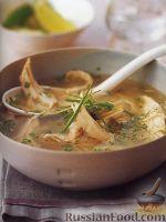 Фото к рецепту: Куриный суп с рисом и лемонграссом