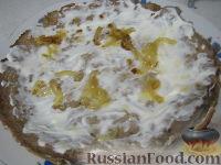 Фото приготовления рецепта: Печеночный торт «Нежность» - шаг №7