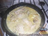 Фото приготовления рецепта: Тушеная курица с имбирем - шаг №7