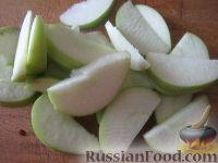 Фото приготовления рецепта: Квашеная капуста с яблоками - шаг №4