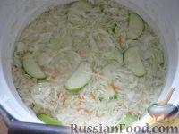 Фото приготовления рецепта: Квашеная капуста с яблоками - шаг №7
