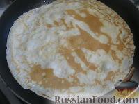 Фото приготовления рецепта: Блины молочные тонкие - шаг №10