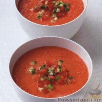 Фото к рецепту: Холодный суп из помидоров и перца