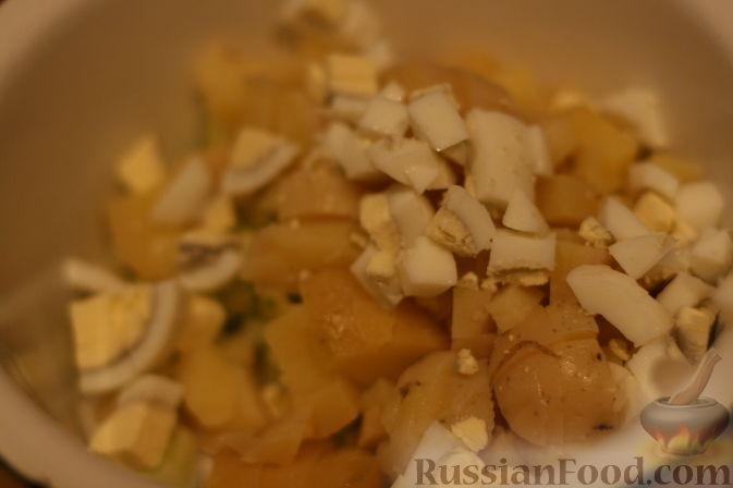 Фото приготовления рецепта: Свиные отбивные в томатном соусе, под сыром (в духовке) - шаг №9