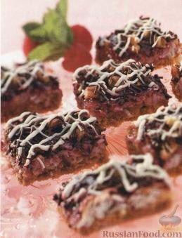 Рецепт Кокосовые пирожные с малиной, орехами и шоколадом
