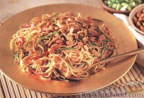 Рецепт Салат из спагетти с арахисом