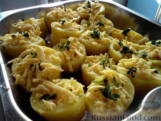 запеченная картошка с сыром и яйцом в духовке