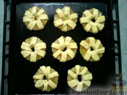 Фото приготовления рецепта: Ананасовые хризантемы - шаг №5