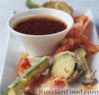 Фото к рецепту: Жареные овощи в кляре с острым соусом (темпура)
