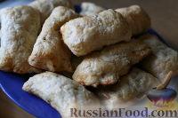 Фото к рецепту: Слоёные пирожки с яблоками