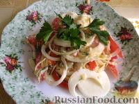 Фото к рецепту: Закуска из яиц и помидоров