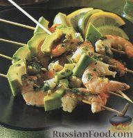 Фото к рецепту: Мексиканские шашлыки из креветок и авокадо