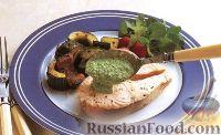 Фото к рецепту: Лосось с жареными огурцами