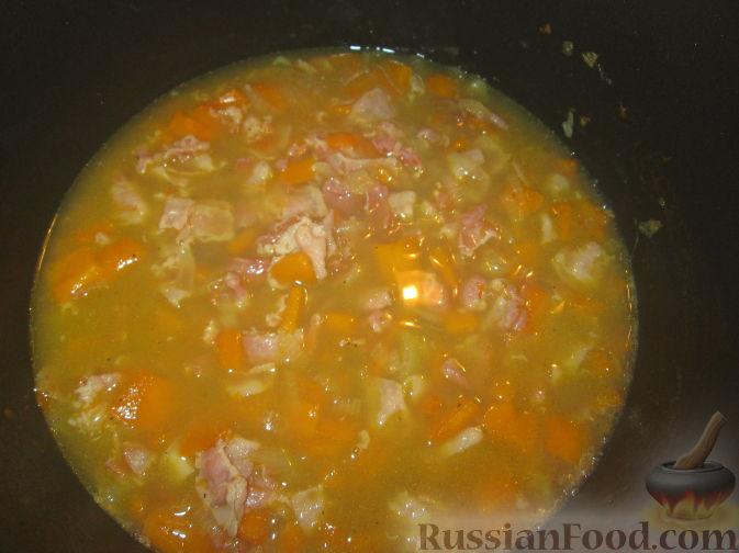 Фото приготовления рецепта: Cуп-пюре из зеленого горошка и тыквы - шаг №3