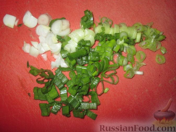 Фото приготовления рецепта: Бутерброды с намазкой из минтая и жареного лука - шаг №3