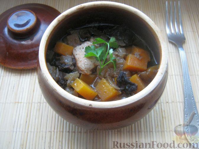 Рецепт Курица в горшочке с тыквой и грибами