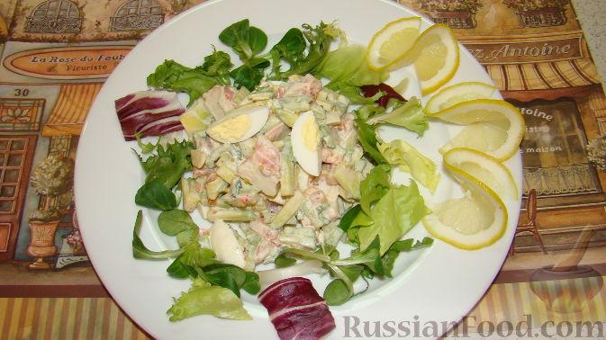 Рецепт Салат из крабовых палочек и авокадо