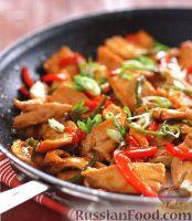 Фото к рецепту: Жареное куриное филе с перцем