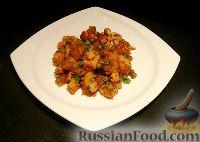 Фото к рецепту: Картофель, тушённый с цветной капустой и горошком  (Aloo Matar Gobi)