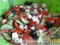 """Фото к рецепту: Салат с брынзой """"Хориатики"""""""
