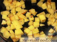 Фото приготовления рецепта: Курица, фаршированная картофелем и грибами - шаг №2