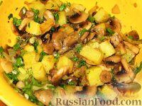 Фото приготовления рецепта: Курица, фаршированная картофелем и грибами - шаг №5