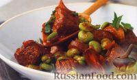 Фото к рецепту: Мясо, тушенное с чесноком и бобами