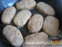 Фото приготовления рецепта: Гречневые котлеты постные - шаг №9