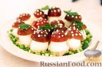 """Фото к рецепту: Фаршированные яйца """"Мухоморы"""""""