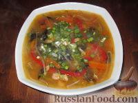 Фото к рецепту: Китайский рыбный суп с овощами и грибами муэр