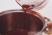 Фото приготовления рецепта: Прозрачный джем из ягод и сливы - шаг №3